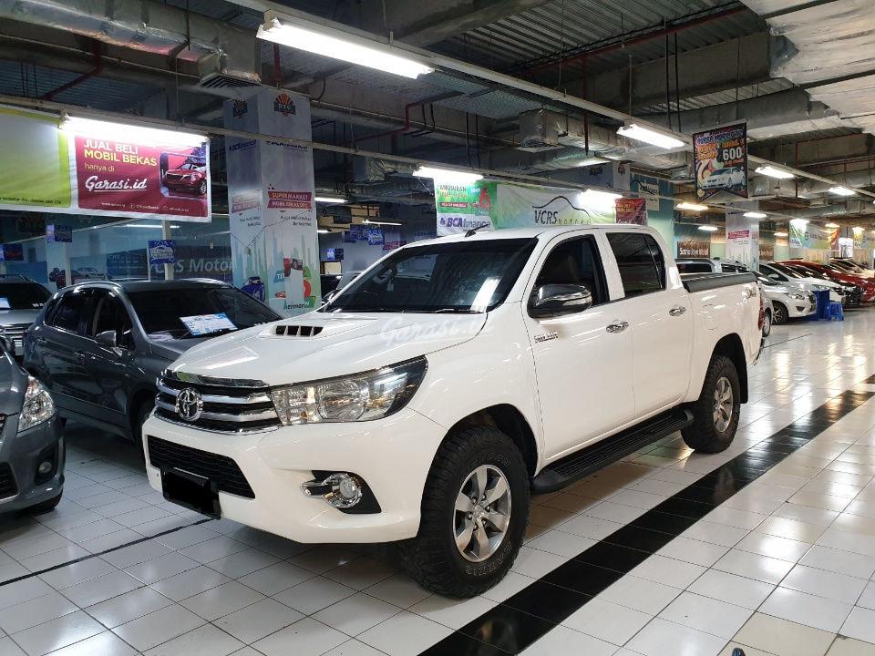 Jual Mobil Bekas 2015 Toyota Hilux G Surabaya 00qh469 Garasi Id